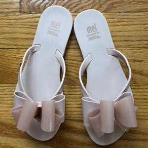 d8c2ef6d85f20 Mini Melissa Shoes - Mel ribbon bow flip flop sandals kids size 2